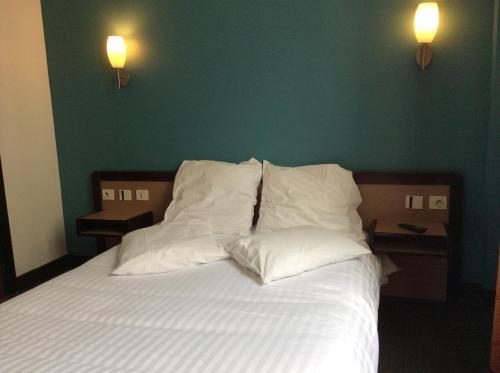 Hotel De La Place : Hotel near Bagneux