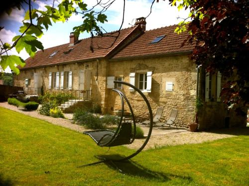 La Source des Lits : Bed and Breakfast near Jouancy