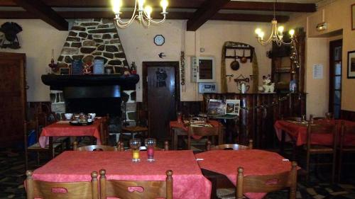 Auberge La Bergerie : Guest accommodation near Izaux