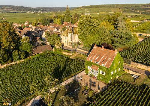 La Passerelle des Corton B&B : Bed and Breakfast near Bligny-sur-Ouche