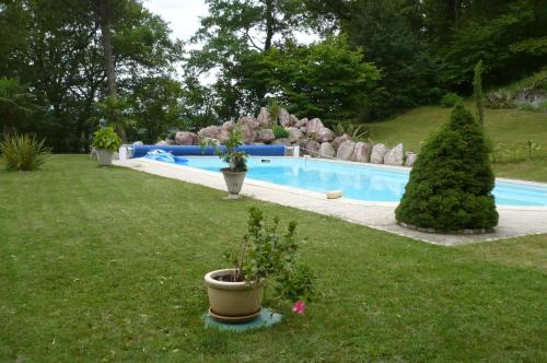 La Bastide De La Borde Grande : Bed and Breakfast near Sainte-Alauzie