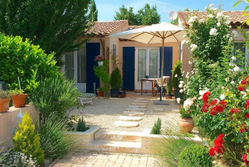 B&B Villa Viva Vitale : Bed and Breakfast near Sainte-Tulle