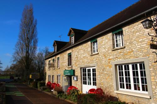 Auberge Normande : Guest accommodation near Aillières-Beauvoir