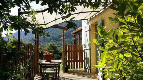 La Claouzo : Bed and Breakfast near Ansignan