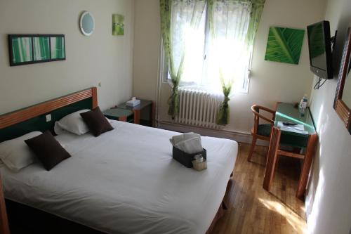A l'Orée de la Forêt : Hotel near Saint-Malon-sur-Mel