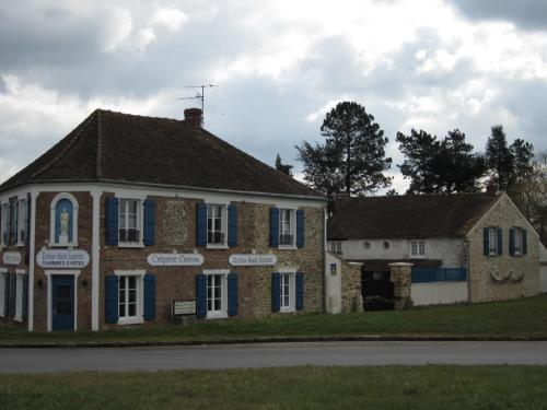 Relais Saint Laurent : Bed and Breakfast near Milon-la-Chapelle