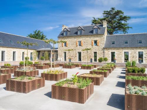 Clos de Tromenec : Bed and Breakfast near Saint-Pabu