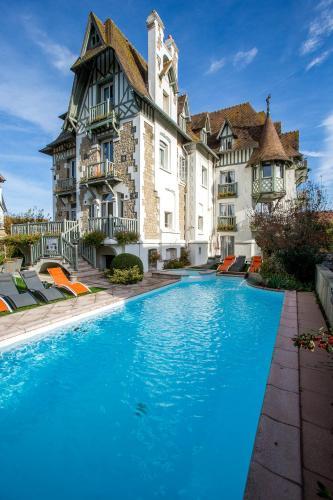Villa Augeval Hôtel de charme & Spa : Hotel near Tourgéville