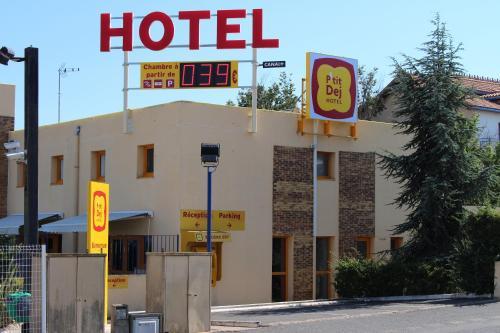 Hotel The Originals Béziers Est (ex P'tit-Dej Hotel) : Hotel near Villeneuve-lès-Béziers