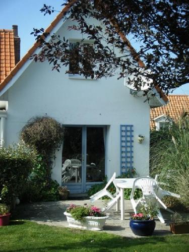 La Maisonnette : Guest accommodation near Landrethun-le-Nord