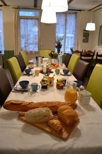 Ambiance Morvan : Bed and Breakfast near Guipy
