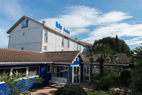 Ibis Budget Béziers Est La Giniesse : Hotel near Cers