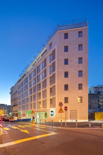 B&B Hôtel Marseille Centre La Joliette : Hotel near Marseille 14e Arrondissement