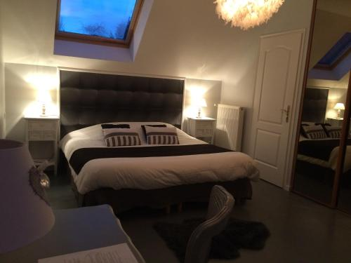 Heure Bleue : Bed and Breakfast near Givenchy-en-Gohelle