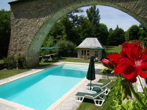 Les Tilleuls : Bed and Breakfast near Saint-Georges-de-Luzençon