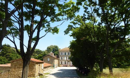 Chateau Chavagnac Gites : Guest accommodation near Sécheras
