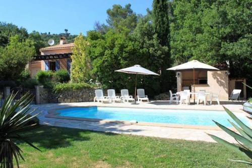Villa Blue Paradou : Guest accommodation near Rocbaron