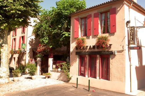 Hôtel Le Commerce : Hotel near Saint-Julien-de-Gras-Capou