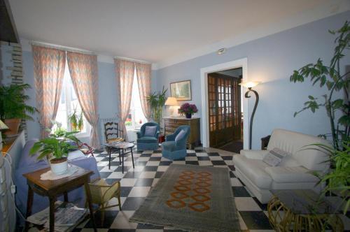 Hotel Le Trouville : Hotel near Trouville-sur-Mer