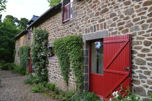 Le Domaine : Bed and Breakfast near Miniac-sous-Bécherel