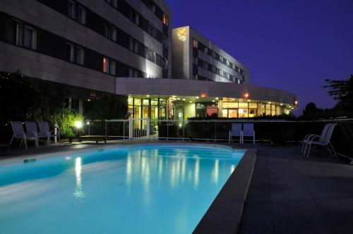 Quality Suites Bordeaux Aéroport & Spa : Guest accommodation near Martignas-sur-Jalle