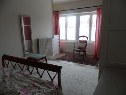 Appartements Yzeures Sur Creuse : Apartment near Coussay-les-Bois