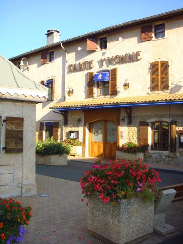 Logis Tante Yvonne : Hotel near Chazay-d'Azergues