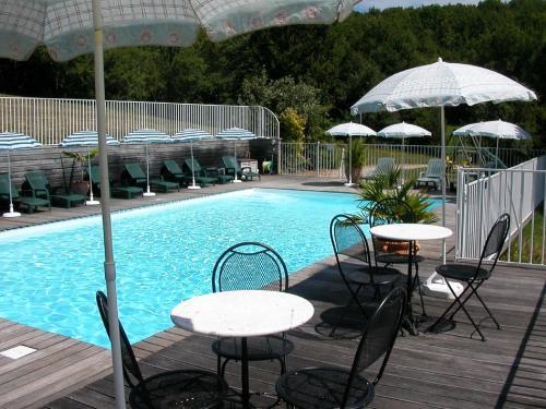 Hameau les Combelles : Guest accommodation near Martel