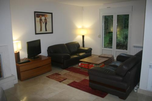 4 Bedroomed Near Disneyland Paris : Guest accommodation near Trilport