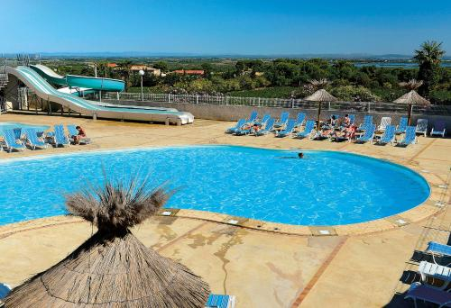 Domaine Résidentiel de Plein Air Odalys La Pinède : Guest accommodation near Agde