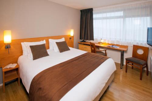 Séjours & Affaires Rennes de Bretagne : Guest accommodation near Bourgbarré