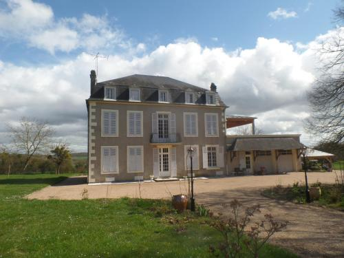 La Maison de ma Tante : Bed and Breakfast near Chaulgnes