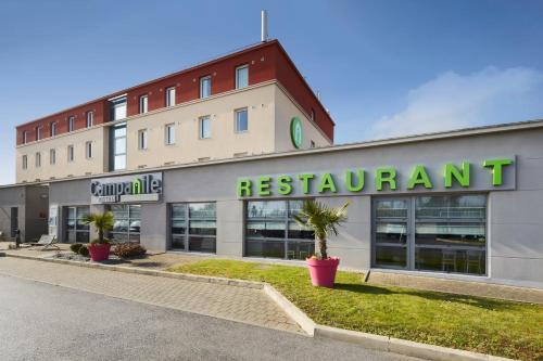 Campanile Roissy - Aéroport CDG - Le Mesnil Amelot : Hotel near Villeron