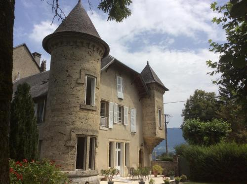 Domaine du Valromey : Bed and Breakfast near Franclens