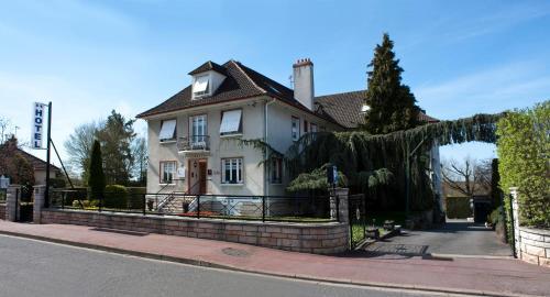 Belvedere Montargis Amilly : Hotel near Chevannes