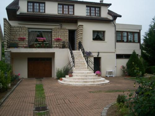 Les Magnolias : Guest accommodation near Sivry-Courtry