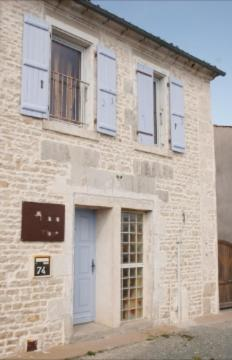 Accacia Home : Bed and Breakfast near Nuaillé-d'Aunis