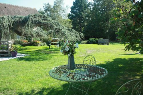 Maison Prairie Bonheur : Bed and Breakfast near Senlisse