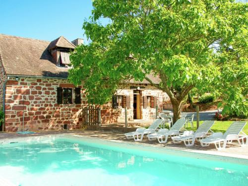Holiday Home Maison Olivier : Guest accommodation near La Chapelle-Saint-Jean