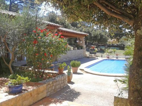 Holiday Home Galle : Guest accommodation near Mornas