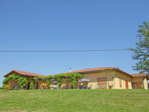 Villa Cardeille : Guest accommodation near Saint-Blancard