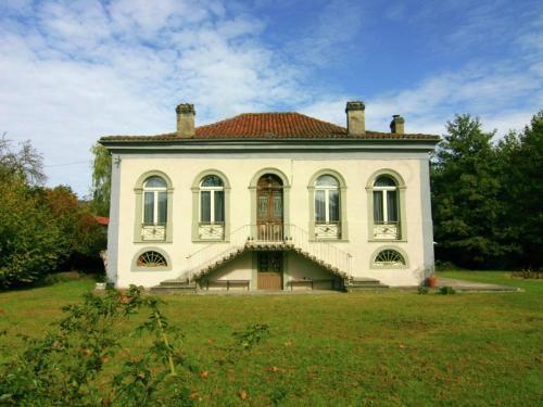 Holiday Home Authentieke Villa Nabij Loures-Barousse 9 Pers : Guest accommodation near Saint-Bertrand-de-Comminges