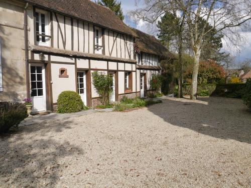 Le Puits D'angle : Bed and Breakfast near Énencourt-le-Sec