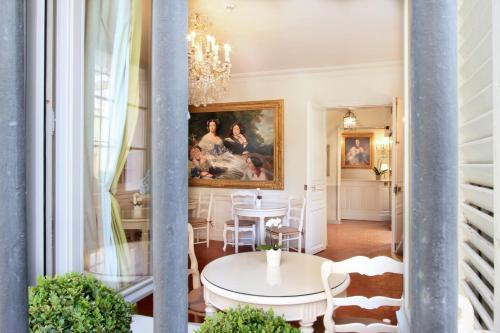 Les Quatre Dauphins : Hotel near Aix-en-Provence