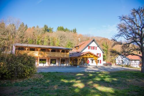 Domaine du Hirtz : Guest accommodation near Wattwiller
