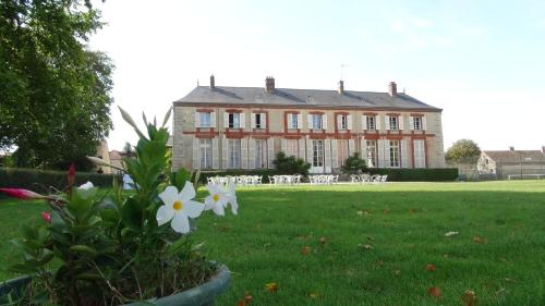 Le Domaine d'Euclide : Bed and Breakfast near Auvers-Saint-Georges