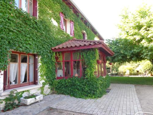 La mare aux canards : Bed and Breakfast near Saint-Marcel