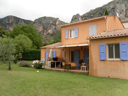 Chambre d'Hôtes L'Odalyre : Bed and Breakfast near Moustiers-Sainte-Marie