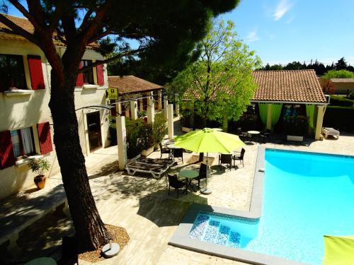 Hôtel Le Mas Des Amandiers : Hotel near Graveson