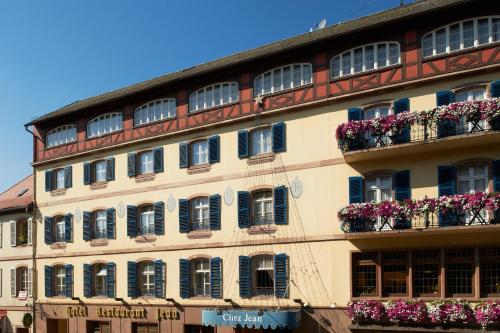 Chez Jean : Hotel near Berling